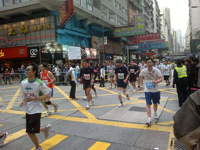 640px-Hong_Kong_Marathon_2011_at_Lockhart_Road
